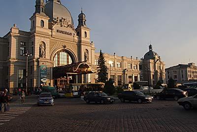 Lvivin juna-asema