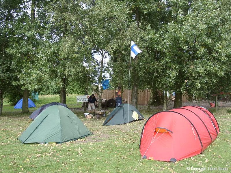 Vaelluskupoleja Englannissa 1999