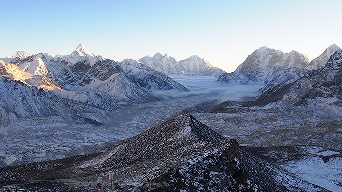 Huikaisevan kaunis vuoristomaisema