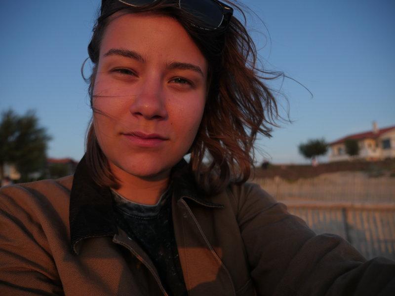 Selfie ilta-auringossa