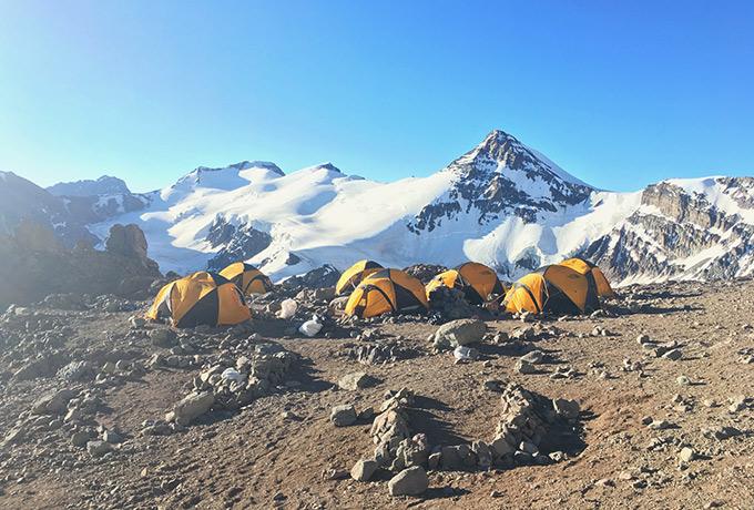 Telttaleiri Aconcaguan vuoristossa