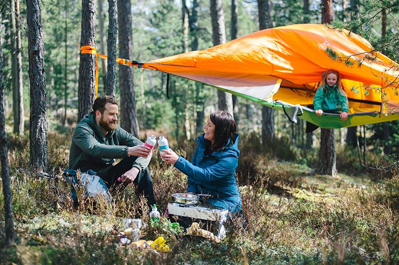 Piknikillä metsässä