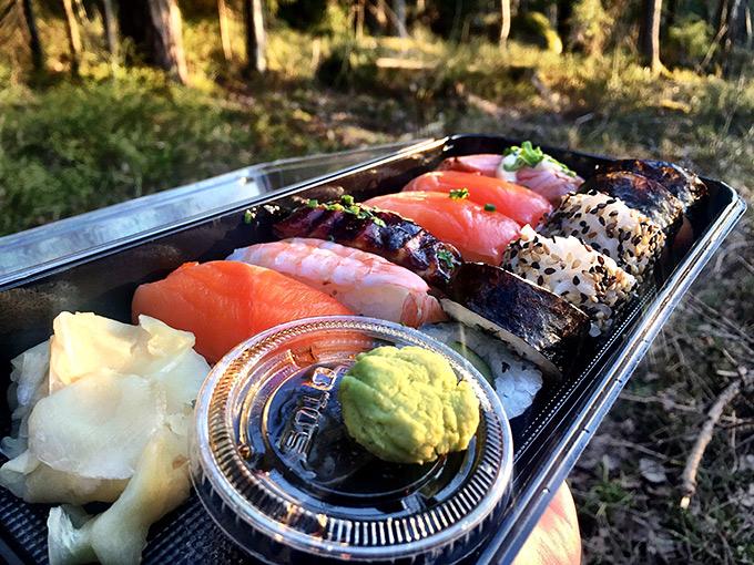 Sushi maistuu myös retkellä