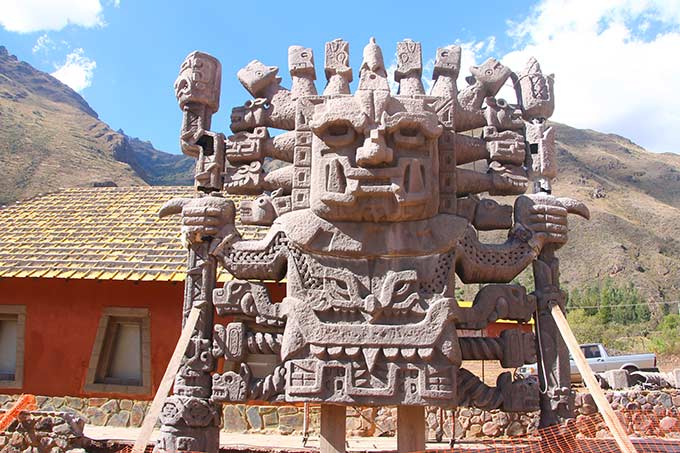 Jumalpatsas Machu Picchulla