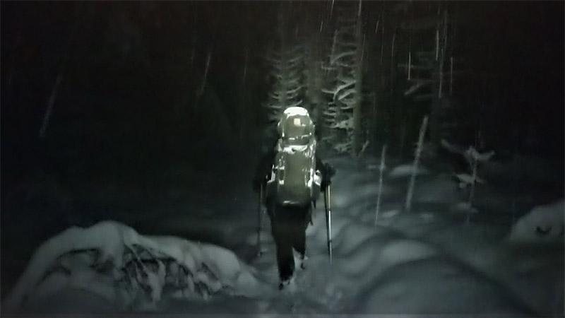 pimeällä vaellus