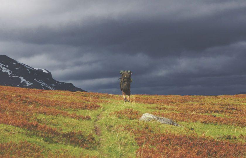 Vaellus Lyngenistä Tromssaan – reittisuunnittelu ja suunnistus poluttomassa maastossa